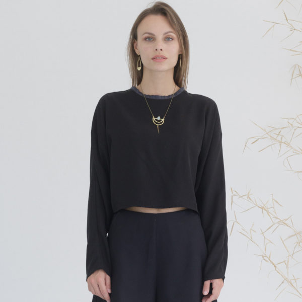 Black organic top Miu Sutin